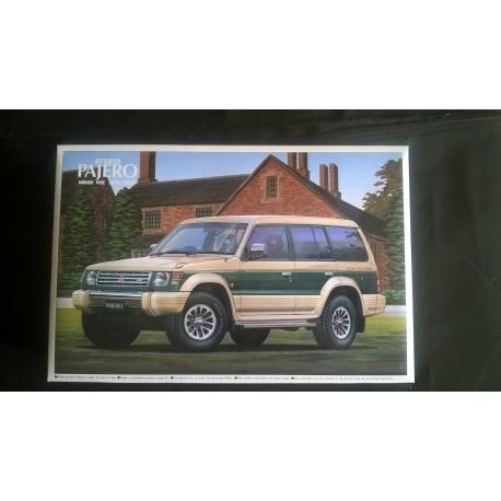 MAQUETTE AOSHIMA - PAJERO RV - ECH 1/24 - REF 019160 - 4X4