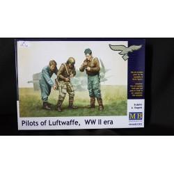MB -PILOTS OF LUFTWAFFE-MB3202-ECH1/35