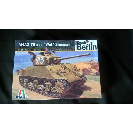 MAQUETTE ITALERI - M4A2 76 mm WET SHERMAN - ROAD TO BERLIN - REF 6483 - ECH 1/35 - WWII - US