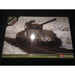 MAQUETTE ACADEMY - SHERMAN M4A3 - BATTLE OF BULGE- REF 13500 - US - WWII - AMRECAIN