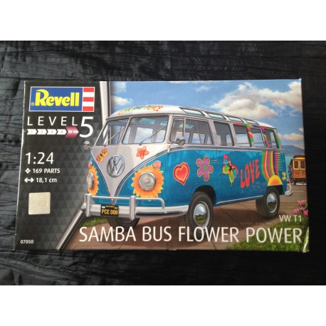 MAQUETTE REVELL - SAMBA BUS FLOWER POWER - WW TI - ECH 1/24 REF : REVE07050