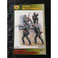 MAQUETTE FIGURINE ZVEZDA - GERMAN PANZERGRENADIERS - ECH 1/35 - REF 3582 - WWII GERMAN