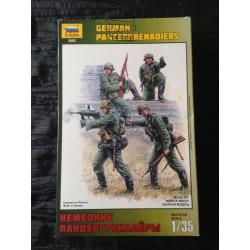 ZVEZDA-GERMAN-PANZERGRENADIERS-ZVED3582-ECH1/35