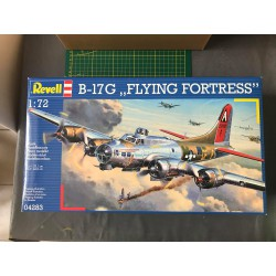 MAQUETTE REVELL - B-17G FLYING FORTRESS - REF JAP REV 04283 - ECH 1/72