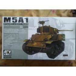 MAQUETTE AFV - BLINDE - M5A1 STUART - ECH 1/35